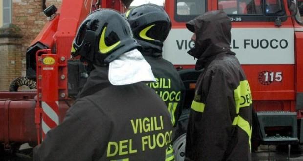 Emergenza incendi Messina, carenza personale VVF e mezzi inadeguati